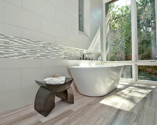 пол в ванной комнате из мрамора