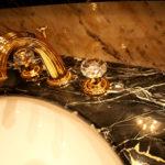 [:ru]Столешницы из мрамора. Изготовление для кухни и ванной от компании RoyalStone[:]